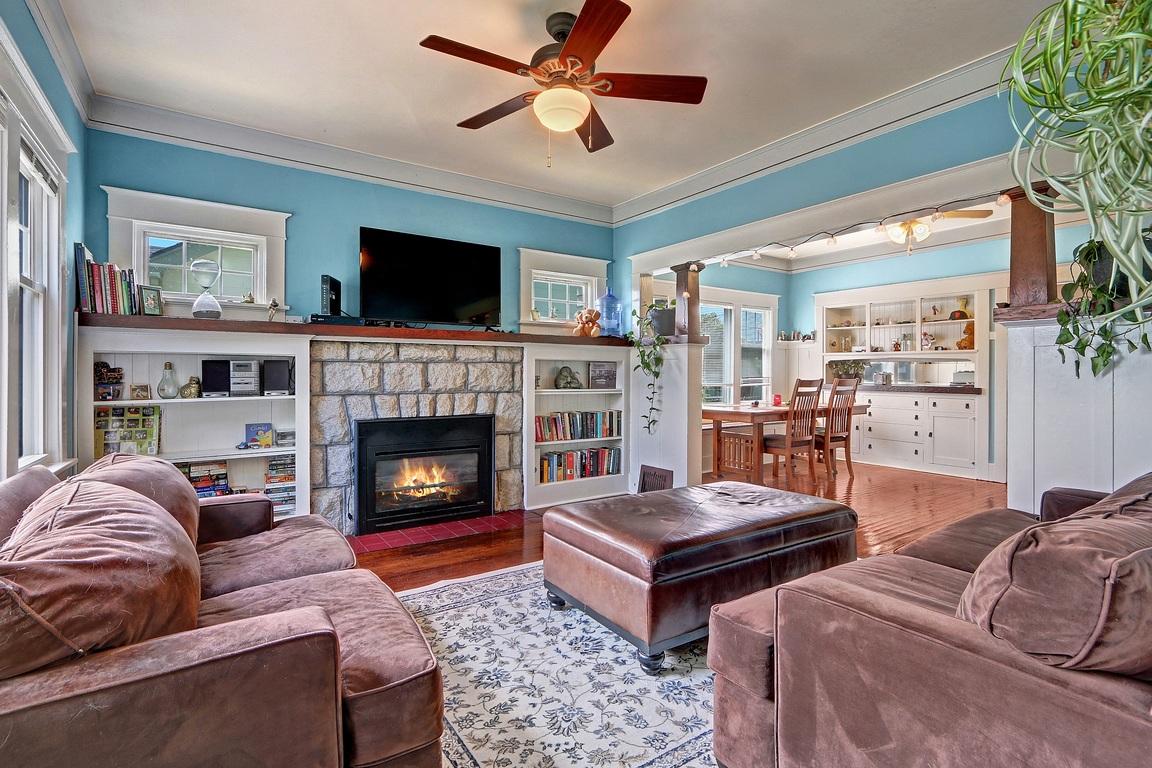 Living Room 1 - 3608 E G