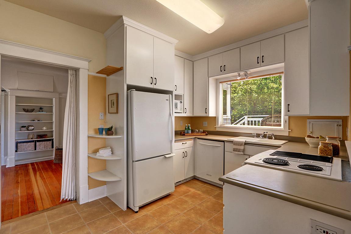 Kitchen 1212 N Washington