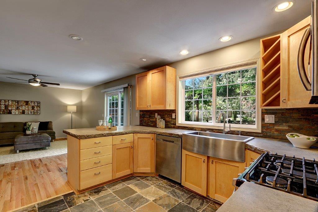Kitchen - 6703 79th St W
