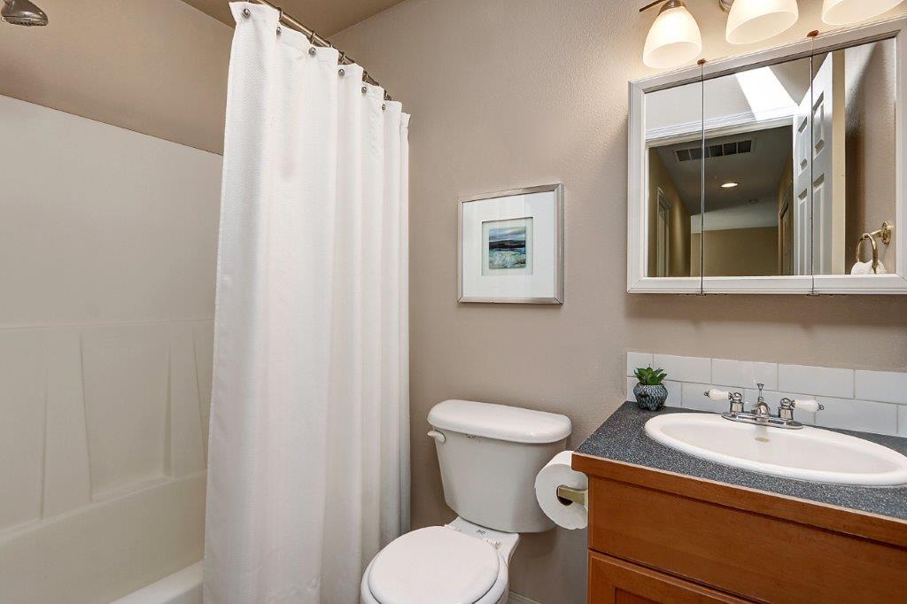Shared Bath - 6703 79th St W
